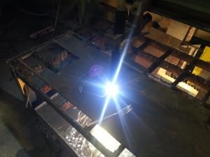 Figurskjæring av stålplate med datastyrt plasmaskjærer